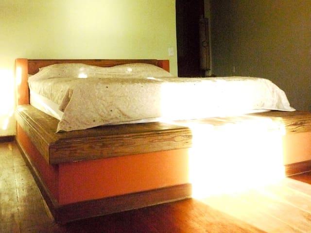 Queen size bed excelente cama queen Superbe literie queen