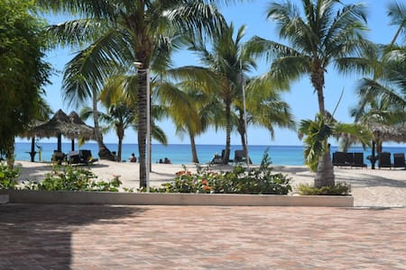 Cadaques OceanFront  2BR+3BR 130Mts Bayahibe - Los Melones - Daire