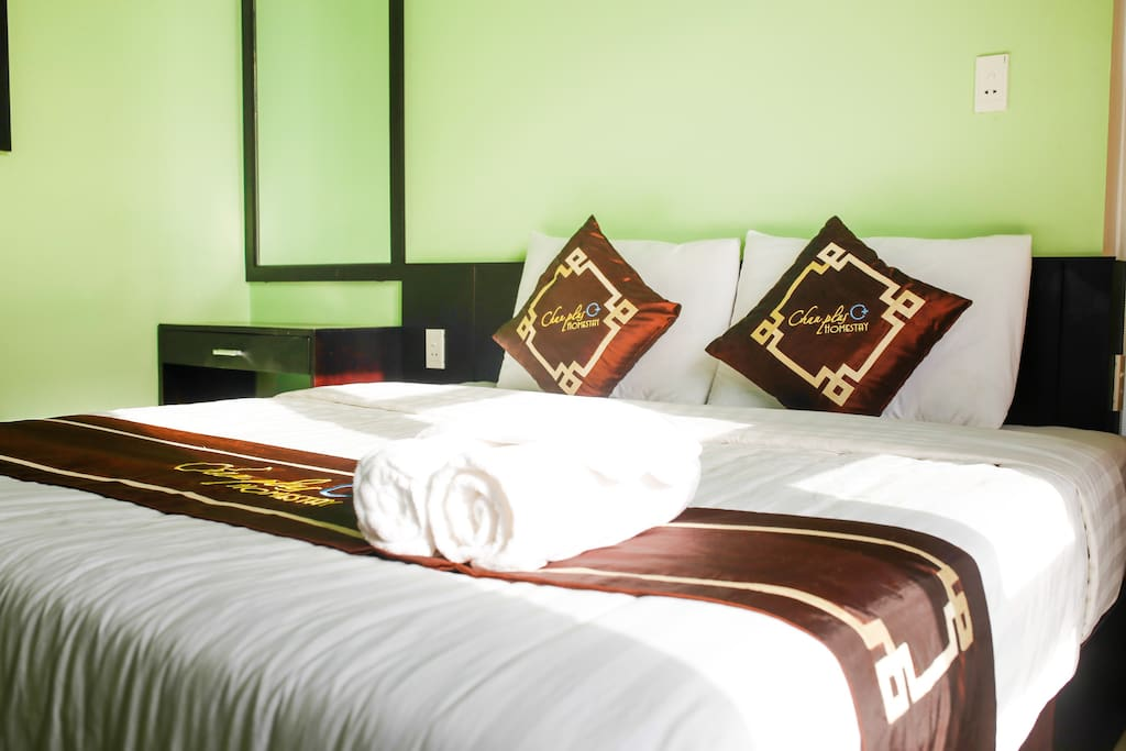 Bedroom Kingsize Bed