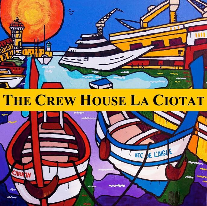 the crew house la ciotat 3 chambres vieux port box maisons de ville louer la ciotat. Black Bedroom Furniture Sets. Home Design Ideas