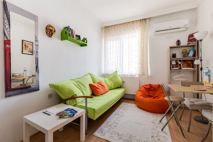 Walk to Kizilay, Embassies, Tunali & Hospitals - 2 - Ancara - Apartamento
