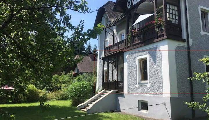 Altbauvilla mit Loggia & Seeblick am Traunsee