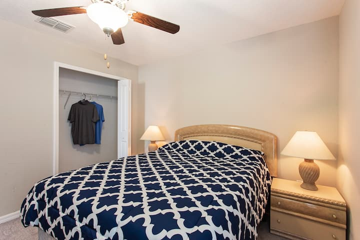 Spacious room near Downtown Tampa in NEW HOME-RM 2