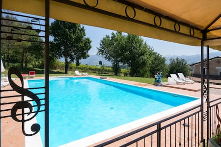 House - 100 km from the beach - Spoleto - Talo