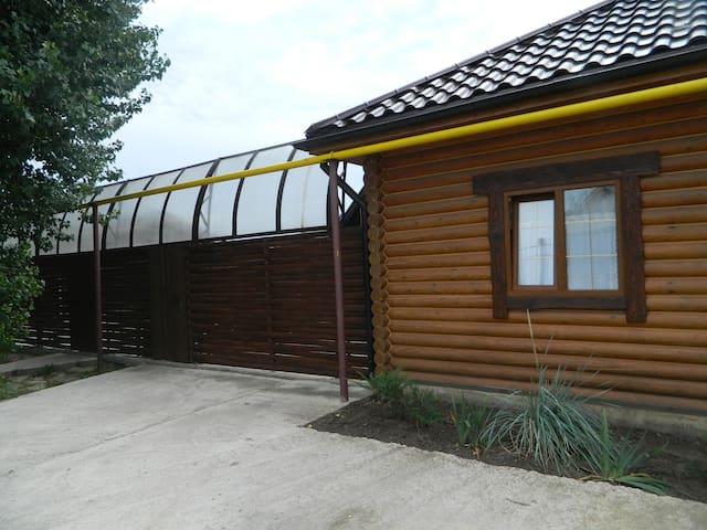 """Дом """"Берлога"""" - Podstepki - House"""