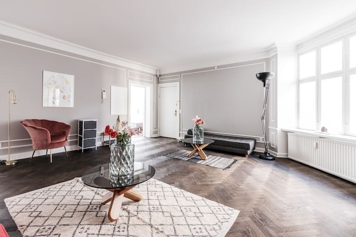 ★CPH's Finest - 220SQM Luxury Apt - City central!★