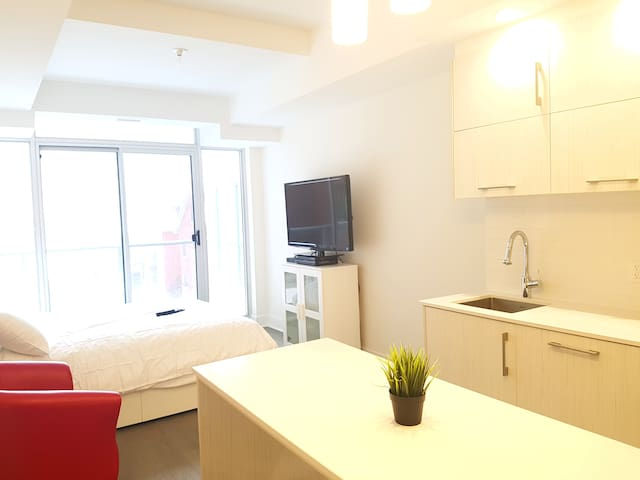 A home away from home with parking. - Ottawa, Ontario, CA - Appartement en résidence
