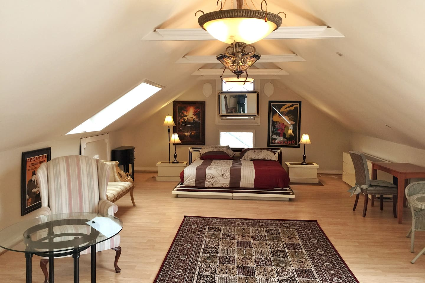 Spacious attic living and sleeping space