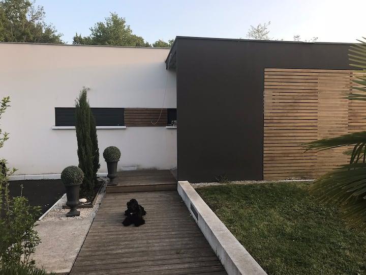 Chambre privée dans maison d'architecte Jacuzzi