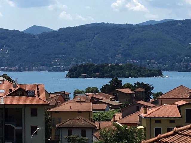 Villa Titti LakeView. Verbania/Stresa/Intra