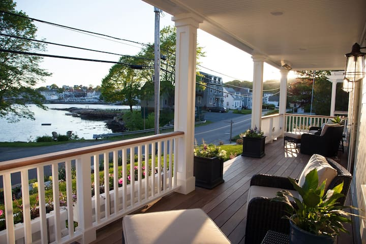 Gorgeous, NEW, Year-Round, 3 BR, 2.5 BA duplex unit in the heart of Boothbay Harbor