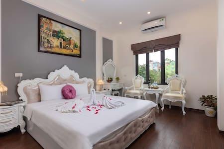 Royal Airport Hotel Hanoi - Convenient & Friendly