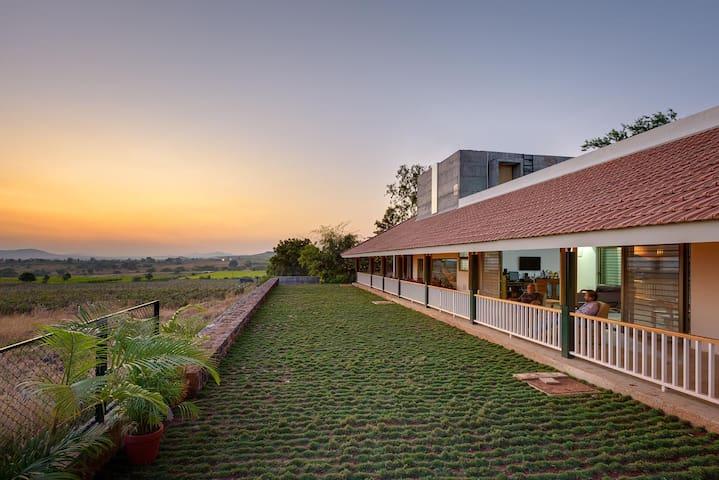 Vihang Farmhouse: Owlet Room