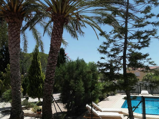 Villa 1.800 m2. Relax. - Busot - Vila