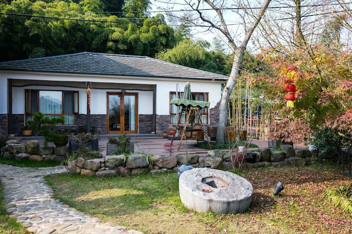 莫干山乡野生活日式小屋包栋|带围墙|可烧烤|中间有小客厅|麻将机