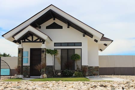 2 Bedroom Villas Argao Royal Palms Serviced Villas - Villa