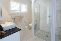 En suite shower Bathroom