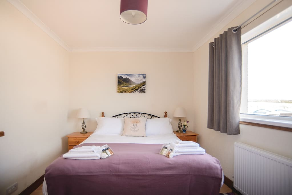 The second bedroom - another king size