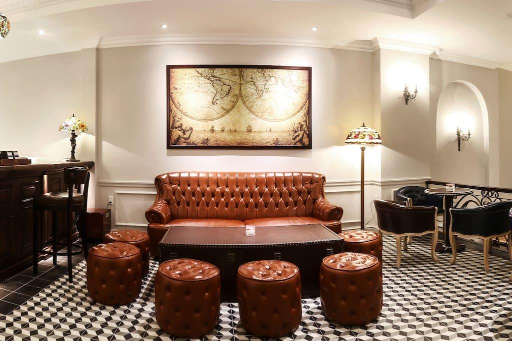 Caffe & Wine lounge