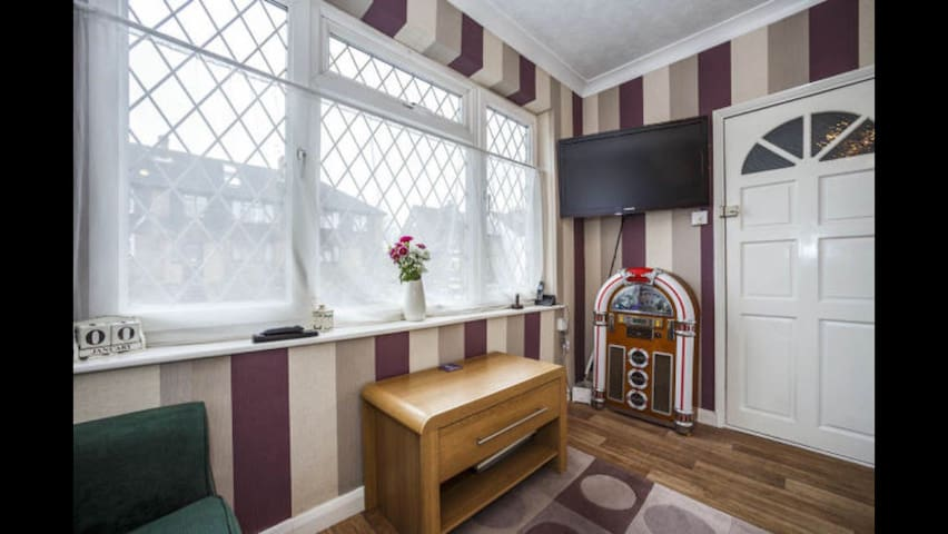 Entire Garden Flat Close To Town - Maidstone - Appartement