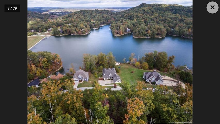 Lake Front Home, 35 Mins from Churchill Downs!