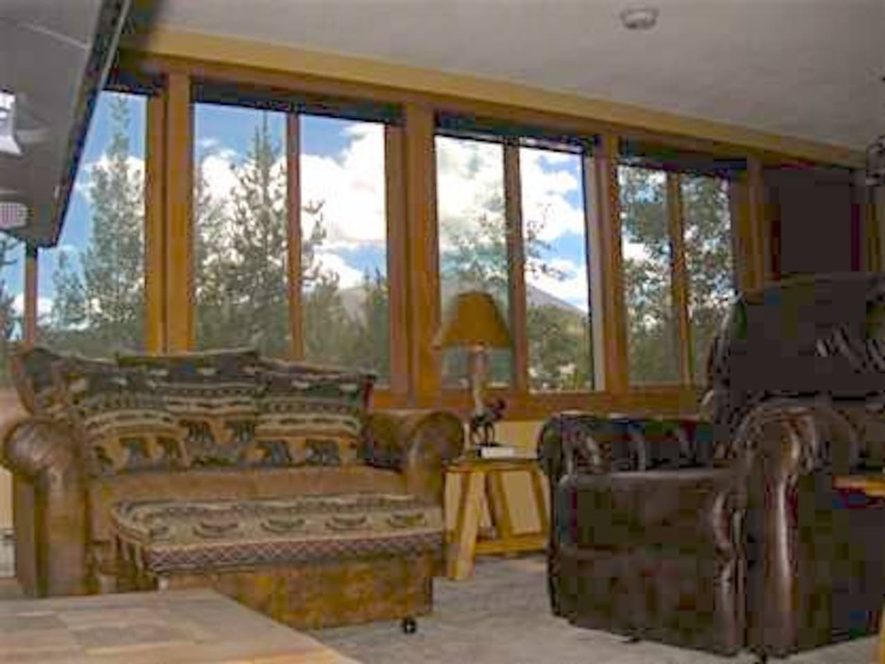 Views of Aspens, downtown Breckenridge and Mt. Baldy. Walking distance to everything!