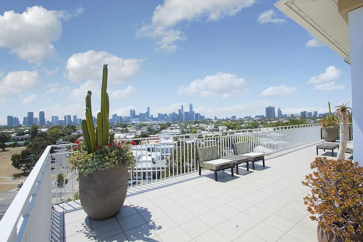 LUXICO -  The Port Penthouse - Port Melbourne - Apartamento