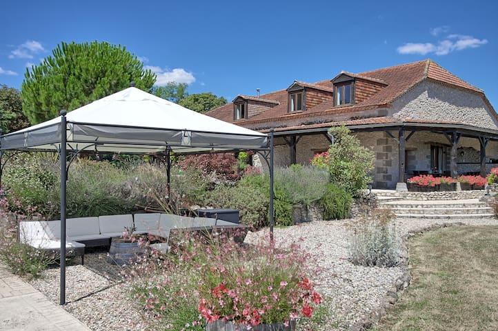 La Laiterie a beautiful 2 bedroom barn conversion - Bourlens - Dům
