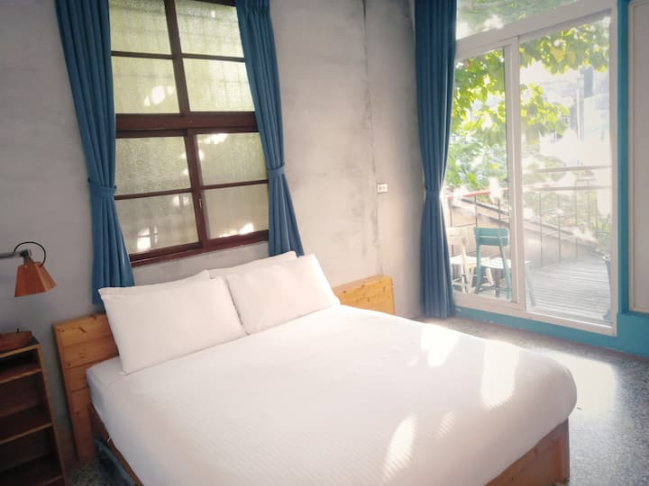 ☾ 開天窗 ☽ 靜謐二人房Ⓑ  ☛ 落地窗露臺就足夠了