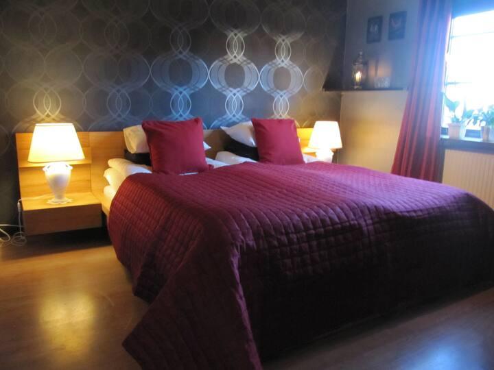 Rum i strandnära villa med närhet till Jönköping