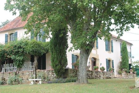 Grande Maison Familale au coeur du Gers - Gennevilliers - Dom