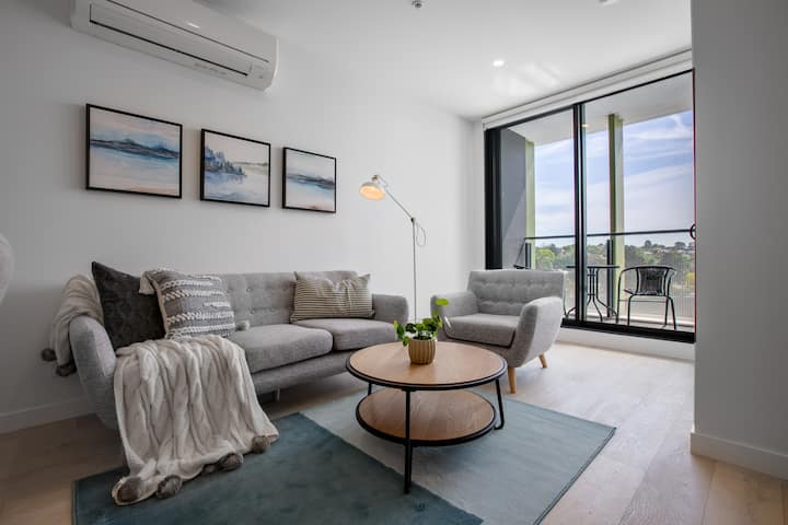 [Modern City] Comfy and warm Apt@Parkville+Carpark