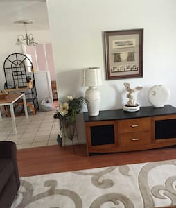 Your Home Away From Home - Spacious - Farmington - House