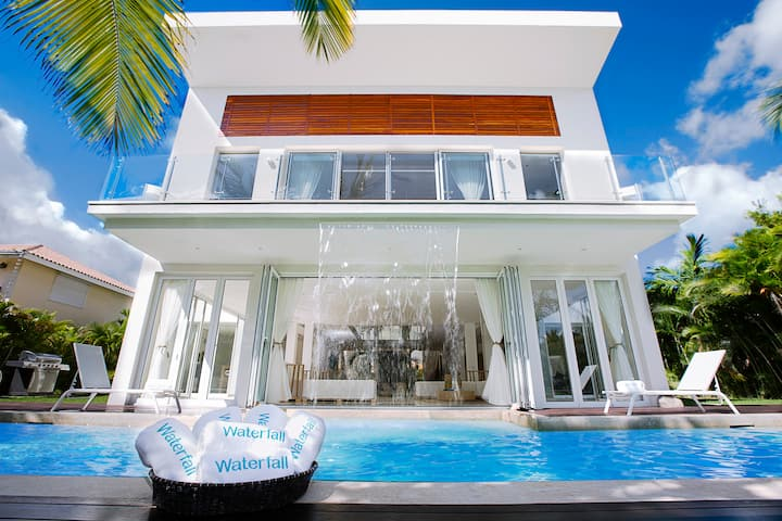 Luxury Villa 6 BR, 7.5 BT with private pool