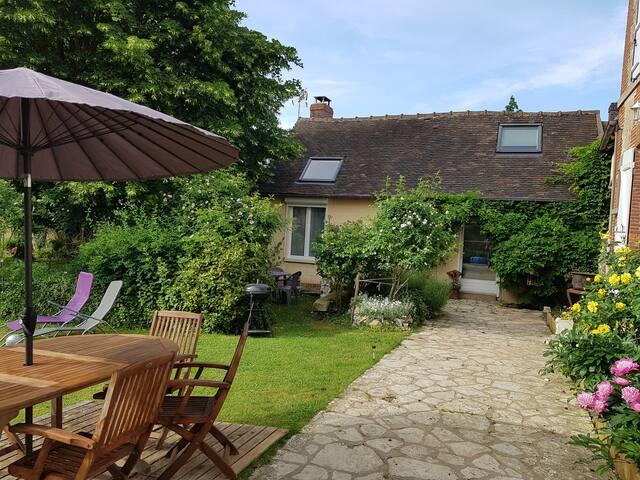 Le Relais de Saint-Crépin, gîte avec jardin