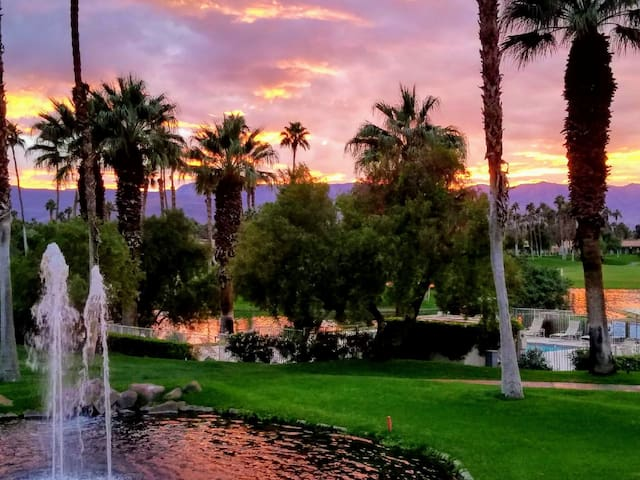PALM DESERT Palm Valley Fairway/Lake/Mntn VIEWS!