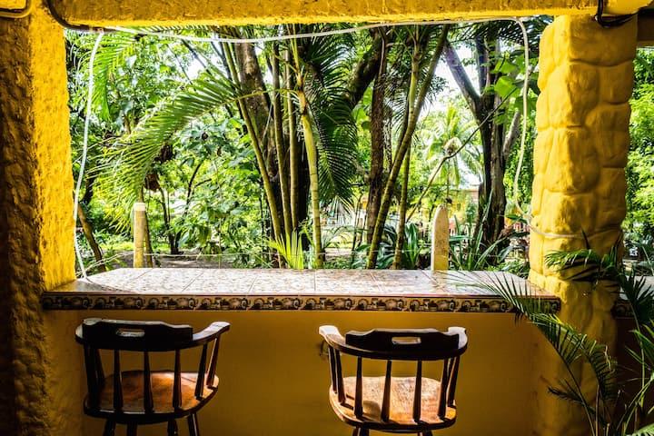 Private Room&H/W 100m to Montezuma Beach&TownV