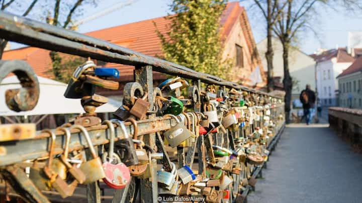 Feel the real romance of Vilnius Old Town