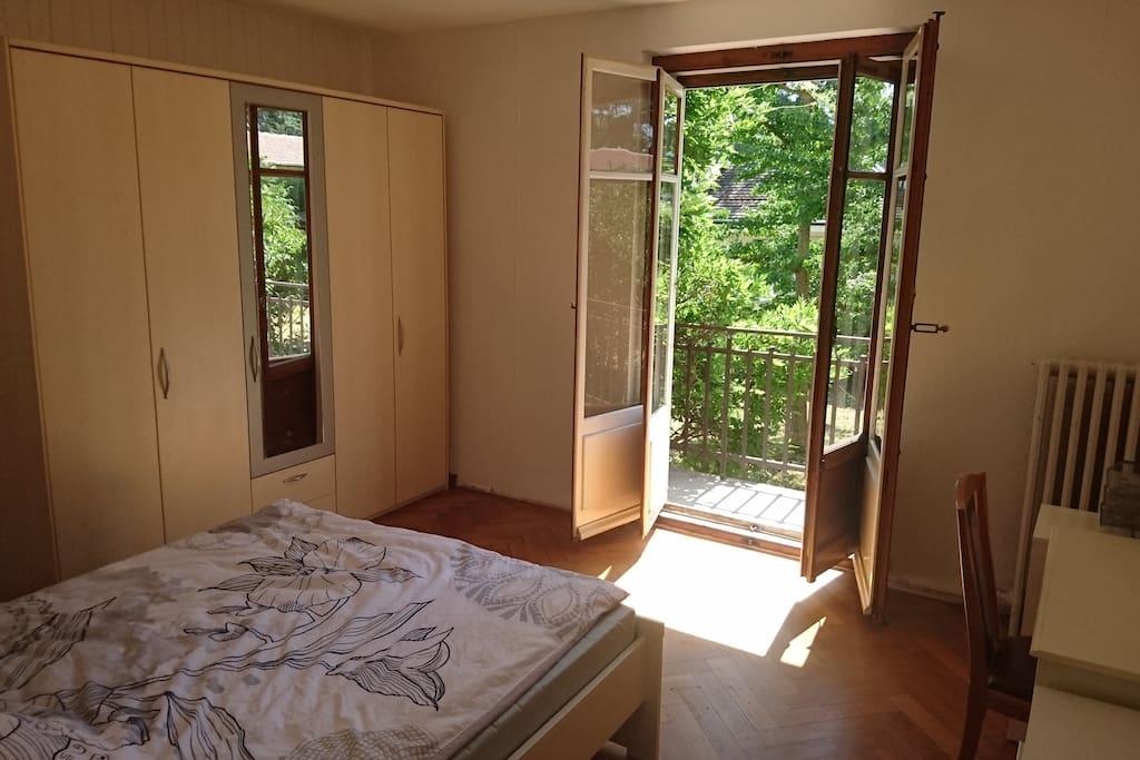 Belle et grande chambre tr s calme appartements louer petit lancy gen ve suisse - Chambre a louer a geneve ...
