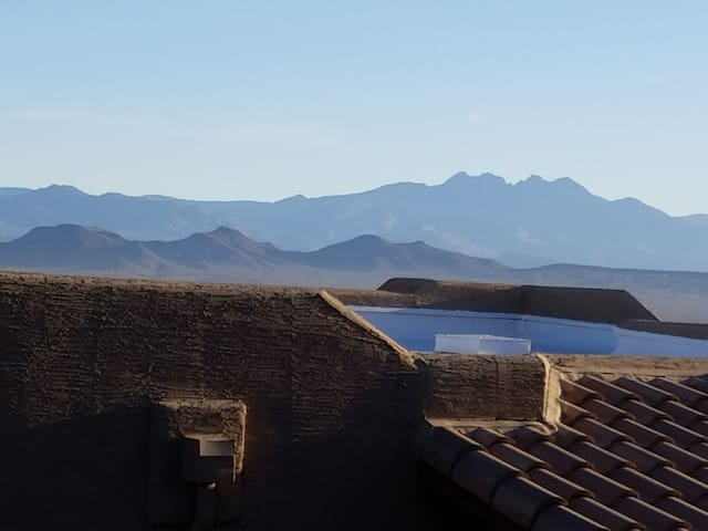 Distinctive view FH condo near Scottsdale/Mayo