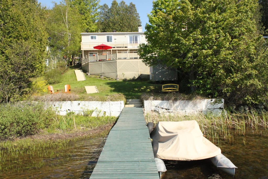 Terrace and deck with electric boats availlable