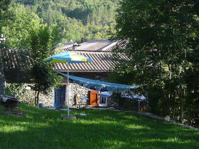 Gite Cévennes au bord de l'eau - Saumane - Holiday home