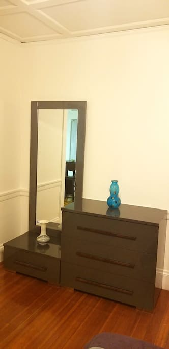 Mirror & Drawers