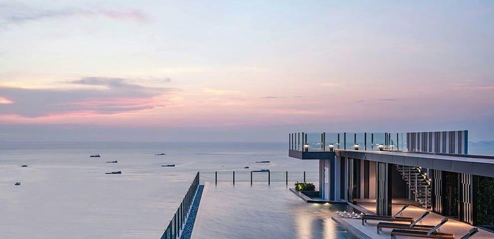 一卧楼顶泳池1 rooftop pool flat the Base Central Pattaya