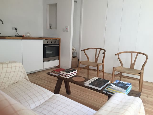 Sunny studio near Kings Cross - London - Apartemen