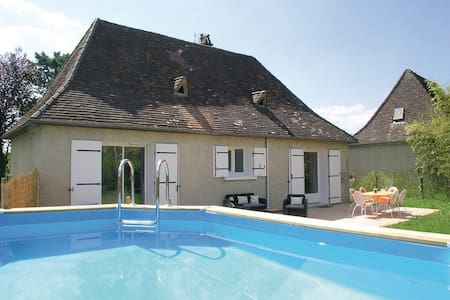 2 Bedrooms Home in La Douze - La Douze
