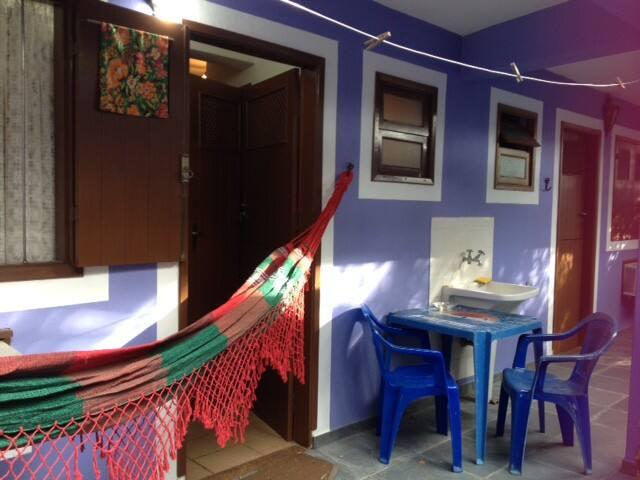 Suite completa a 40 metros da praia - São Paulo - Apartamento