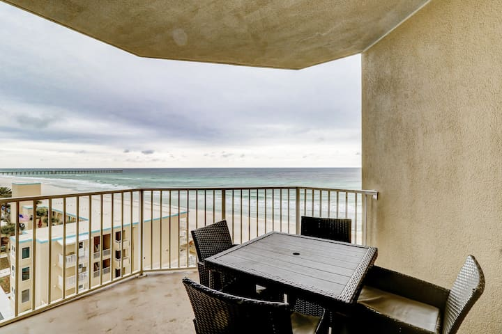 Beachfront corner condo w/incredible Gulf views, shared pools, hot tub, and gym