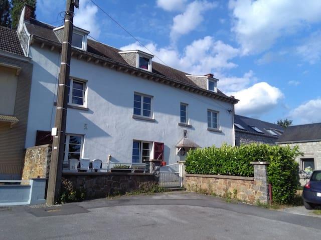 Maison avec jardin, au calme proche des axes - Namur