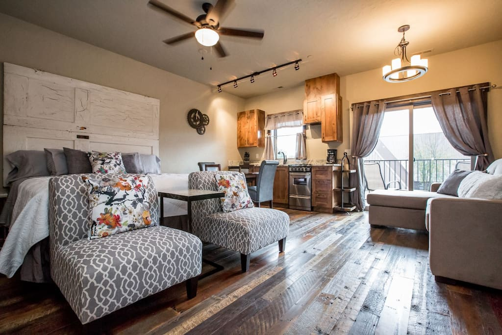 Stunning studio in the heart of Downtown Whitefish